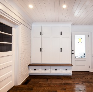 Genial A Mudroom Cabinet Is A Homeowneru0027s Best Friend, Especially In Winter.