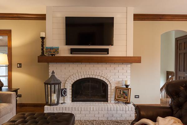 Shiplap Fireplace Surround And Modern Mantel In Glen Ellyn Illinois