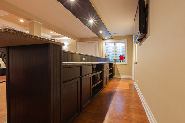 Basement Bar And Cabinetry In Elmhurst, Illinois