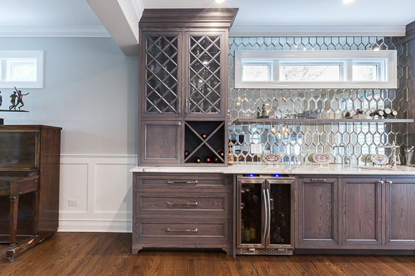 Kitchen Cabinets and Wet Bar in Clarendon Hills, Illinois ...